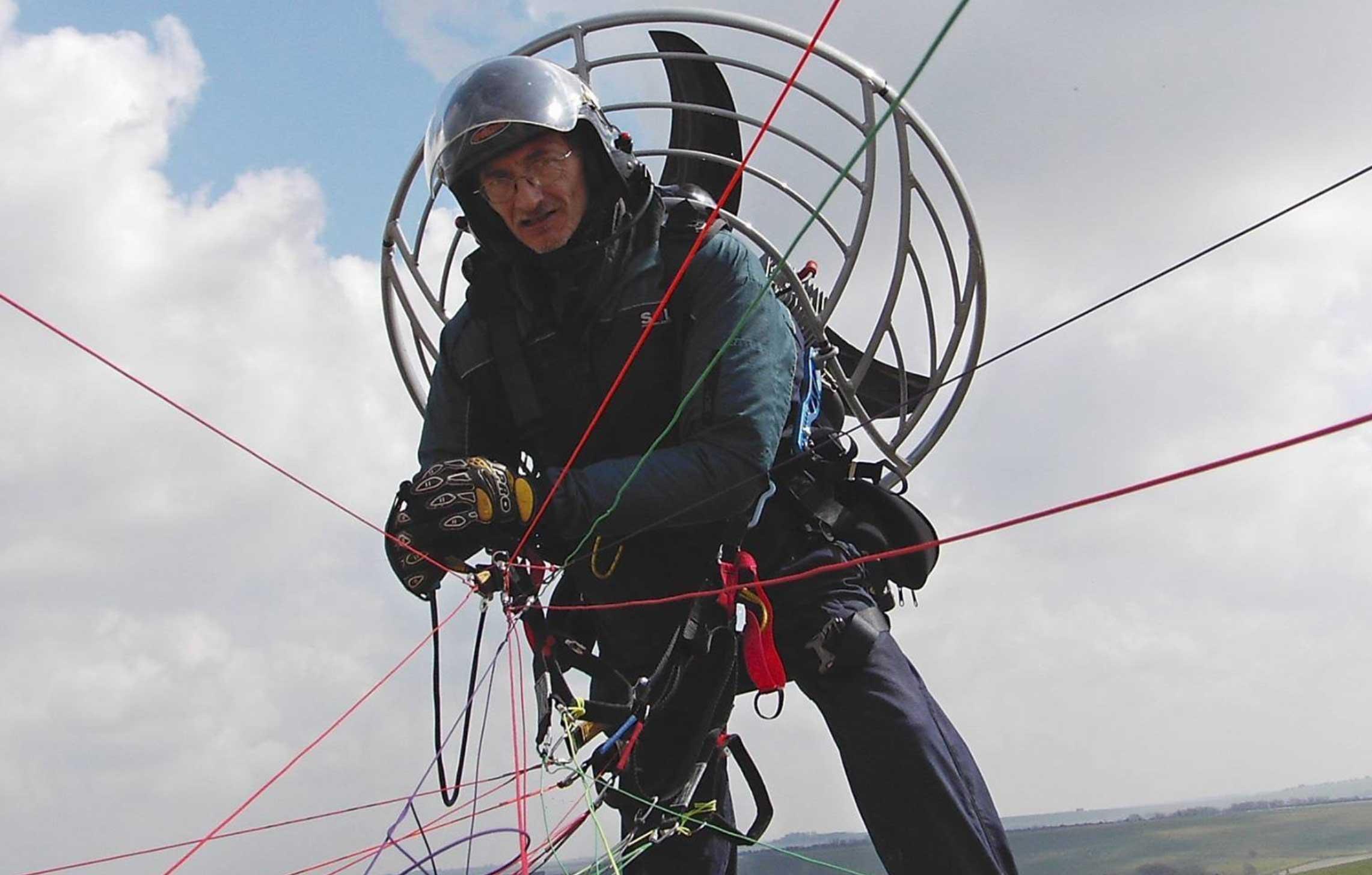Colin Borland paramotor training instructor